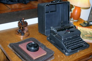 arkansas-mississippi-river-delta-Hemingway-Pfeiffer-Museum-desk